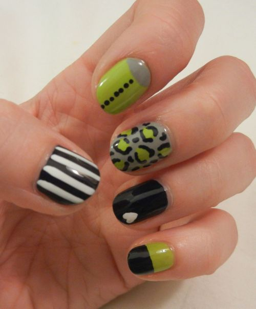 Love the colors!!Dark Nails, Nails Style, Nails Art, Middle Fingers, Nails Design, Nail Designs, Limes Green, Hair Nails, Cool Nails