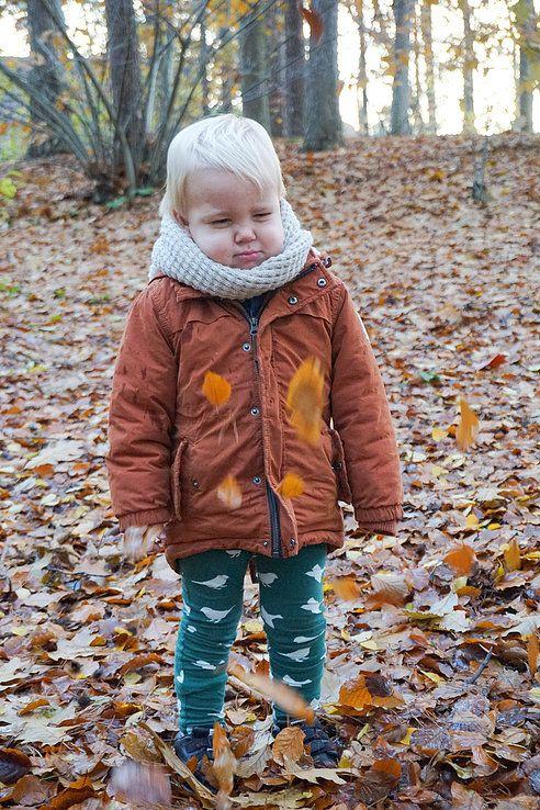 Op instagram zie je de leukste herfst-foto's voorbij komen. Van mooie verzamelingen bladeren tot heerlijke buitenspeelfoto's.Buiten spelenIk ben best wel een t