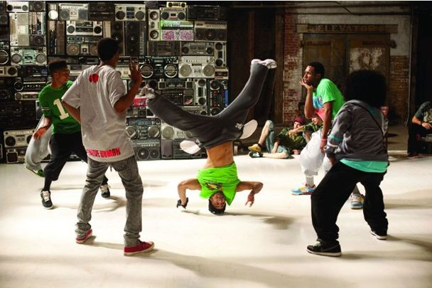 Ive always wowed this *BoOm bOx WAll* in step up 3....totally looking forward for one of these in near future! xP #b-faB! #Step up 3 4eva!! <3