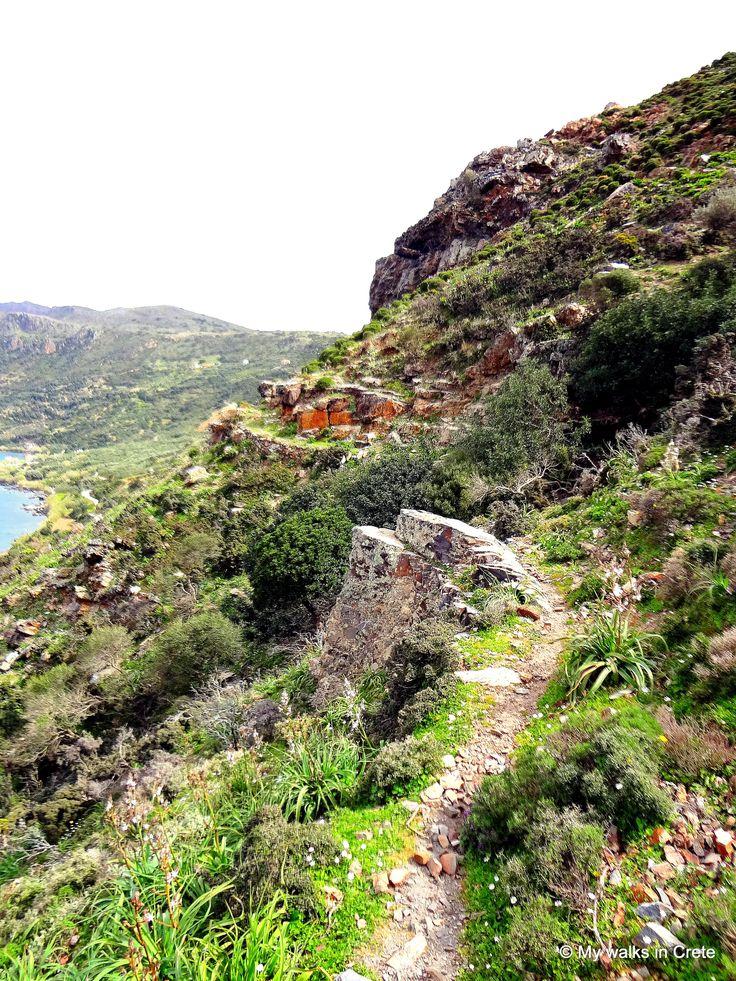 coastal walk towards Ravdoucha