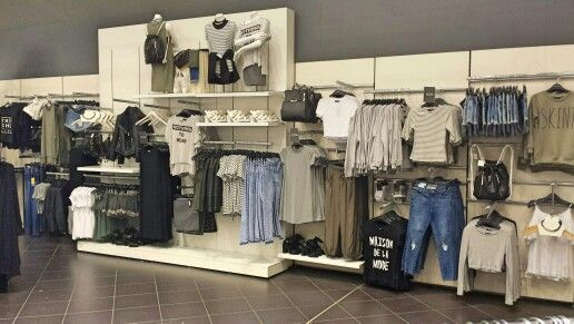 Merchandising and styling  Trend - Le sportif Newlook meadowhall