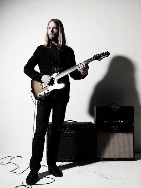 Guitarist James Valentine | James Valentine en periódico Record de México
