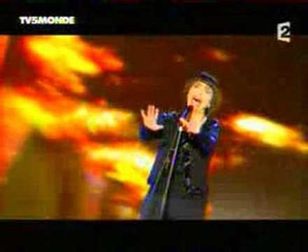 Mireille Mathieu - Paris en colere