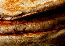 panqueca-integral-com-leite-de-amendoas