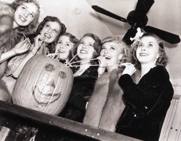 Lana Turner And Friends Drinking From A Pumpkin TurnerAnne ShirleyOld Hollywood StyleVintage HollywoodStonesHalloween