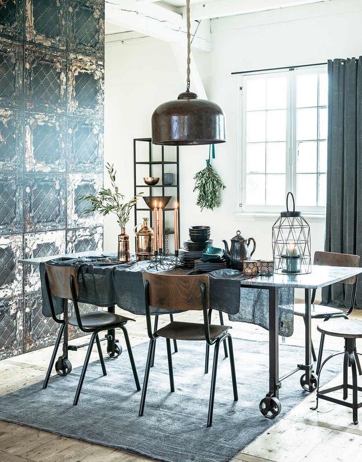 What a cute dining room-very urban and industrial :)