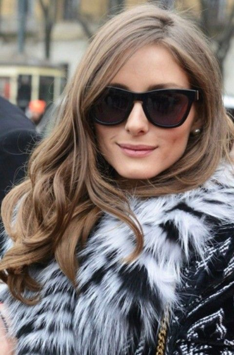 Olivia Palermo Hairstyles: Side-swept Curls