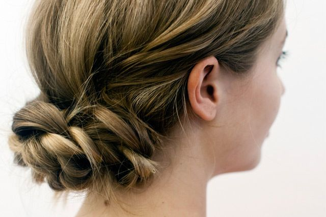 We love and live for the top knot, but here is an alternative to spice things up.…