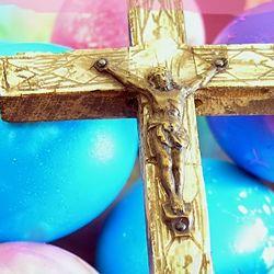 Cristos a inviat! Paste Fericit! http://ofelicitare.ro/felicitari-de-paste/cristos-a-inviat-511.html