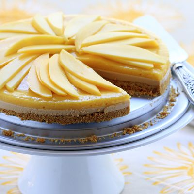 No Bake Mango Dulce de Leche Cheesecake | Meals.com - No Bake Mango Dulce de Leche Cheesecake is a great warm weather dessert. You don't even need to heat up the kitchen by turning on your oven with this rich caramel mango no-bake cheesecake. Dulce de leche flavors the bottom layer and mango fills the top layer. #Dessert #Cheesecake #NoBakeDessert