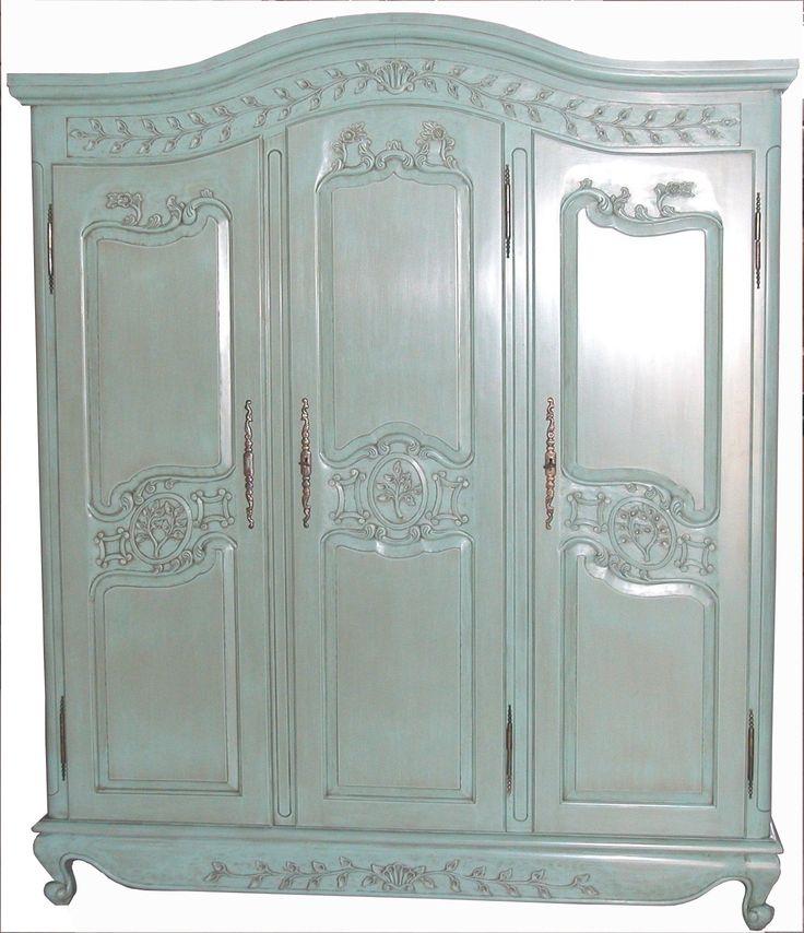 Armadio a tre ante, stile provenzale, in legno massello, laccato verde. Finiture e misure personalizzabili