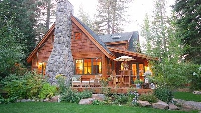 Family/friend retreat, sleeps 13-15.  Very nice Tahoe rental, 2 houses on property.