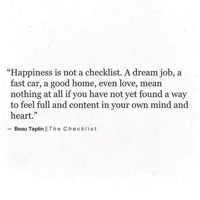 Happy = blij zijn met jezelf, andere laten stralen, een passie kunnen delen, je geliefd voelen, mensen kunnen helpen, jezelf kunnen en mogen zijn, acceptatie en vertrouwen, enkel zijn glimlach..