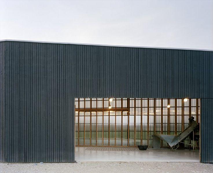 Gallery of Oyster Farm Hangar / Raum Architects - 7