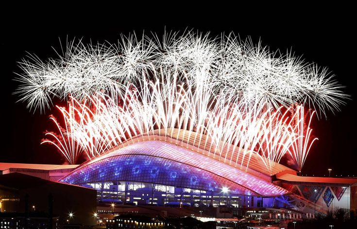 Fireworks explode over the Fisht Olympic Stadium during the closing ceremony for the 2014 Sochi Winter Olympics, February 23, 2014. REUTERS/Alexander Demianchuk
