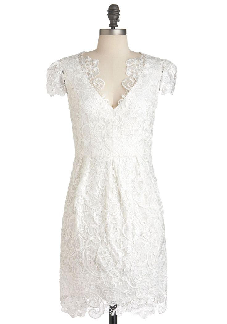 Nothing lace than lovely dress lace rehearsal dinners for Dresses for wedding rehearsal dinner