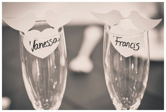 Wedding name place card lover birds with heart wine by NessysDecor (in stock)