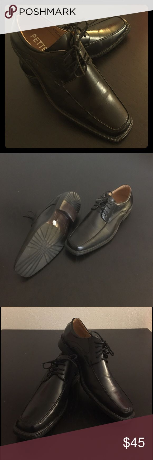 Men's dress shoes Lace up men's dress shoes. Like new, only worn once. Black, size 10 Shoes