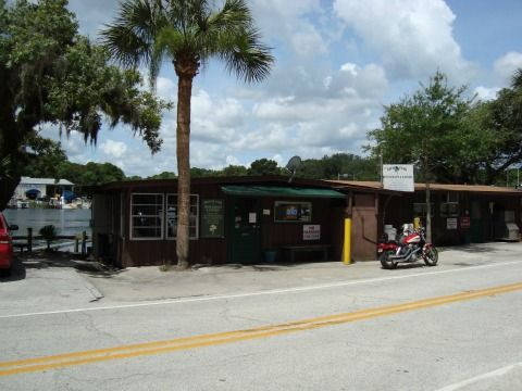 Shady Oak Restaurant is an Old Florida kind of place on the St. Johns River west of Deland, Florida.