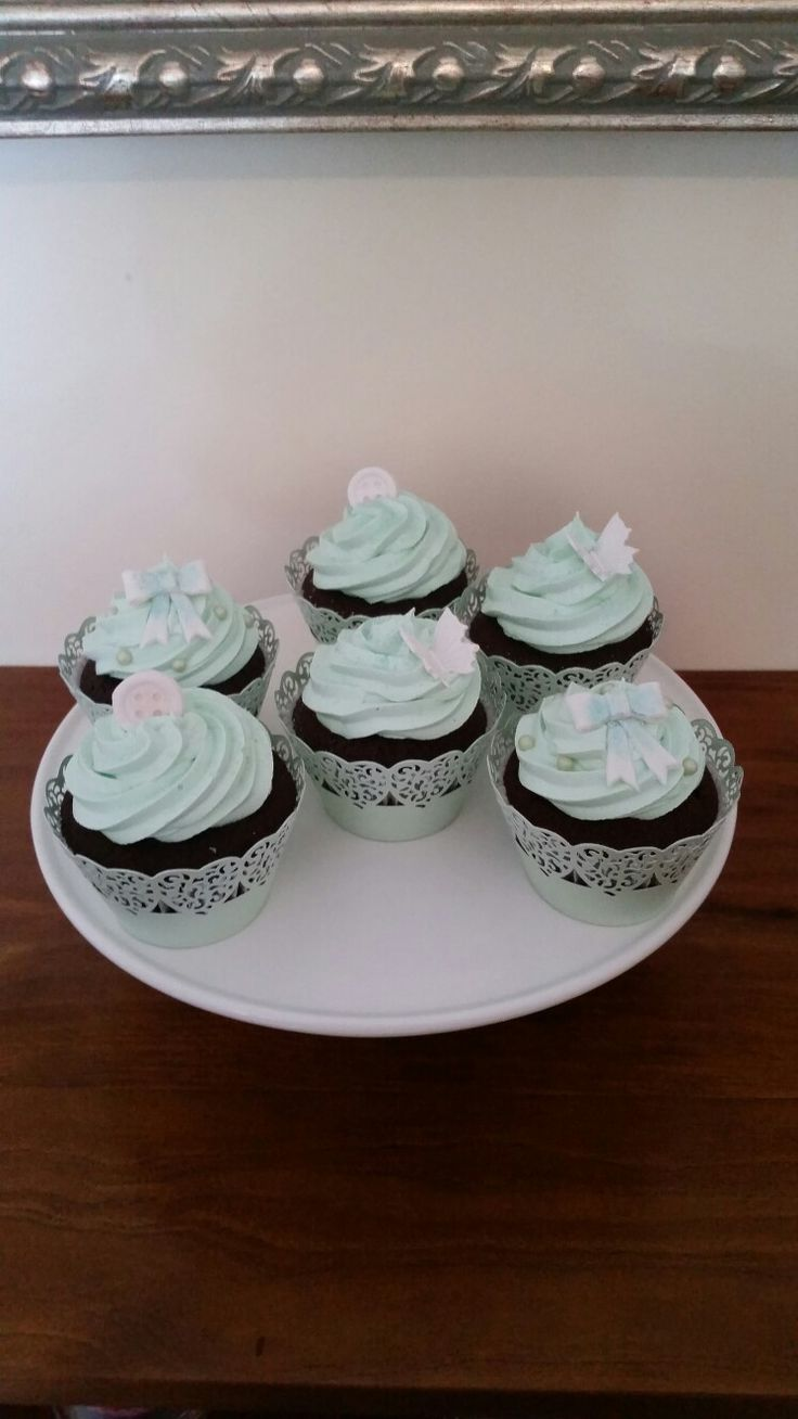 Boys baby shower cupcakes