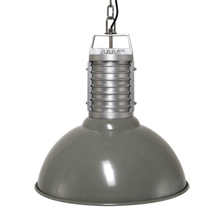 Una lámpara colgante verde vintage