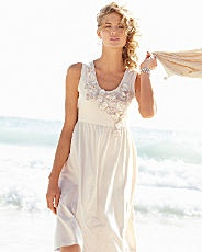 yes, I can see myself on the beach with this dress...