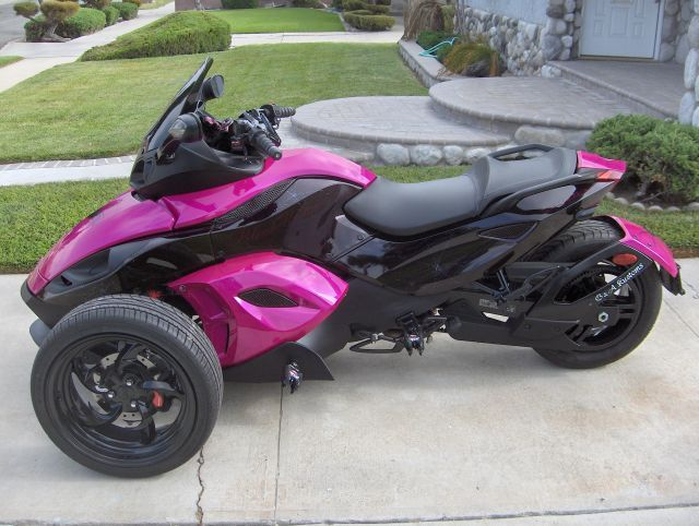 ohh...I want a pink Spyder!!!