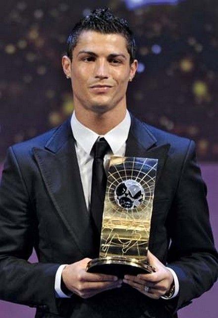 Cristiano Ronaldo Hairstyle and Haircut 2013