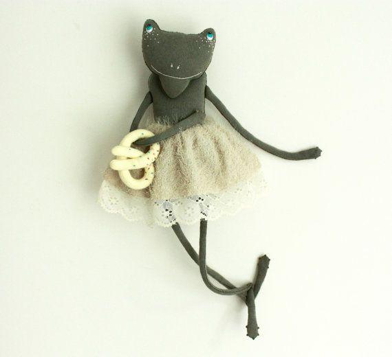 frog plush by skipskrap on Etsy