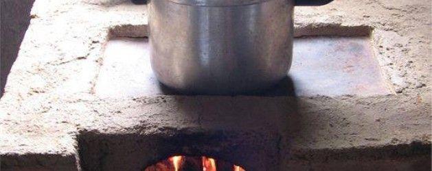 Haz tu propia estufa ahorradora de leña con barro | La Bioguía