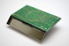 ASCII.jp:プリント基板による鉄道路線図の名刺入れ&iPhone 5sケースが発売