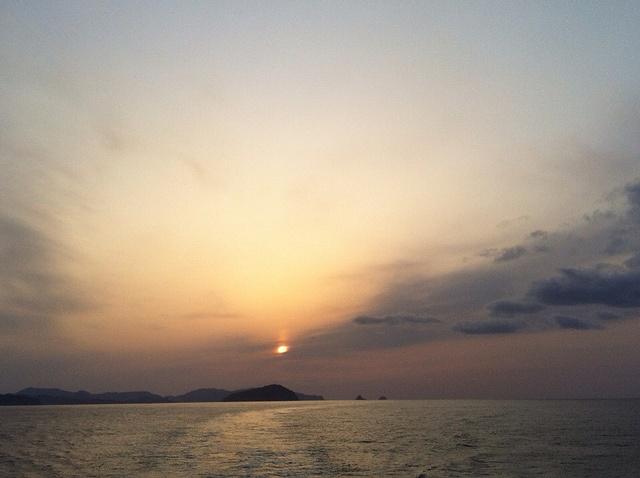 隠岐の夕日 by oki-takuwa, via Flickr
