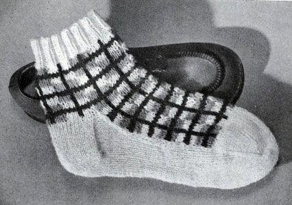 Children's Sock Pattern No. 526 originally published in Handknits by Beehive, Book 127. #sockspatterns #knitsocks