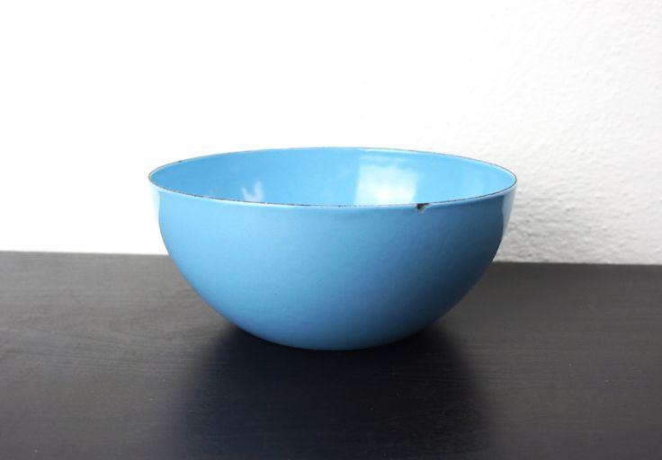 "Vintage Turquoise Blue Finel Enameled Steel Bowl Medium 6.26"" Wartsila Finel Finland Kaj Franck Scandinavian Serving Mixing Bowl 220015 by TheLionsDenStudio on Etsy"