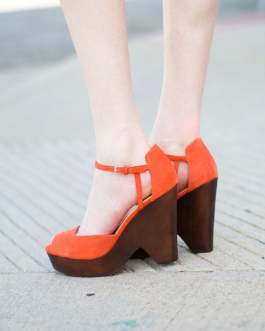 '70s-inspired orange suede platforms