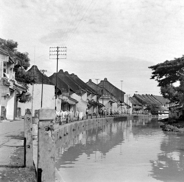 From Wikiwand: Kanaal (Pantjoran Kota) Djakarta