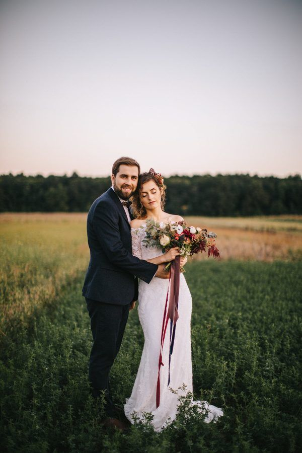 This Romanian Wedding Has All the Autumn Decor Inspiration You Need