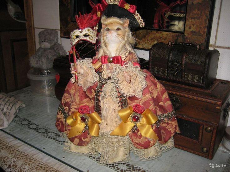 """Коллекционная фарфоровая кукла Кукла из бисквитного фарфора """"Венецианская кошка"""" в маскарадном костюме, высота 30 см. Италия - 12 000 руб."""