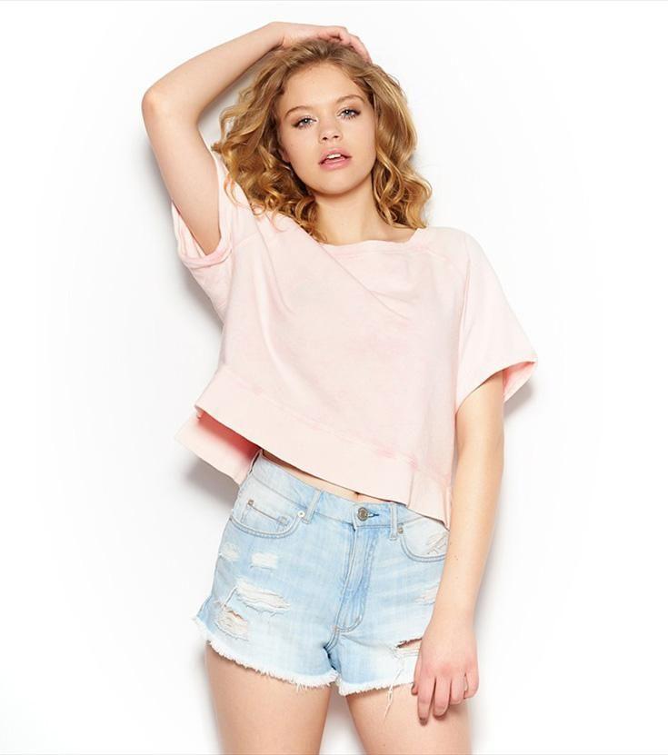 Pink High-Low Cropped Fleece Tee.