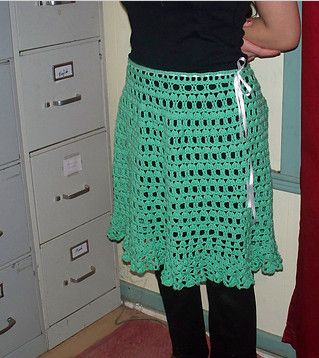ruffled crochet skirt pattern via 20 Popular Free #Crochet Skirt Patterns for Women