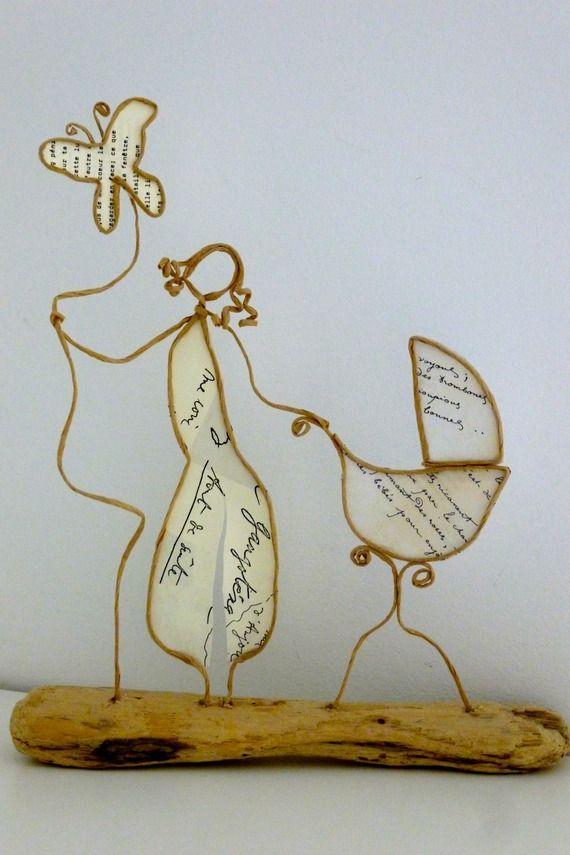 Une maman heureuse - figurines en ficelle et papier