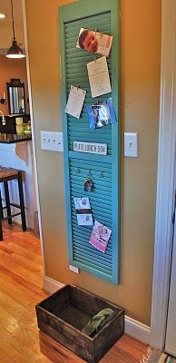 A catch-all shutter. I NEED one!: Window Shutters, Christmas Cards, Photo Hanging, Old Shutters, Cute Ideas, Bulletin Boards, Shutters Ideas, Display Photo, Paintings Shutters