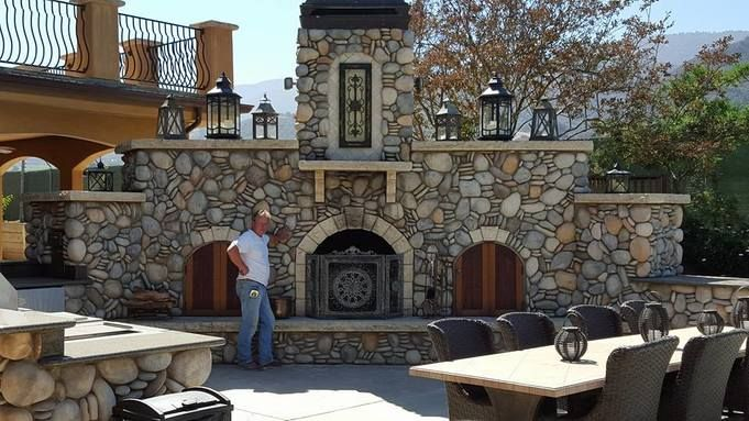 Winning Customer Loyalty. Larry Carroll Masonry, repeat customers are extremely important to us. We sincerely appreciate their support and continued loyalty over the 30 years we have been in business on the Monterey Peninsula.   In our opinion,  Communication is a vital part of keeping customers satisfied. As well as employing staff who are enthusiastic and who actually know what they're talking about does wonders for the reputation of the firm.