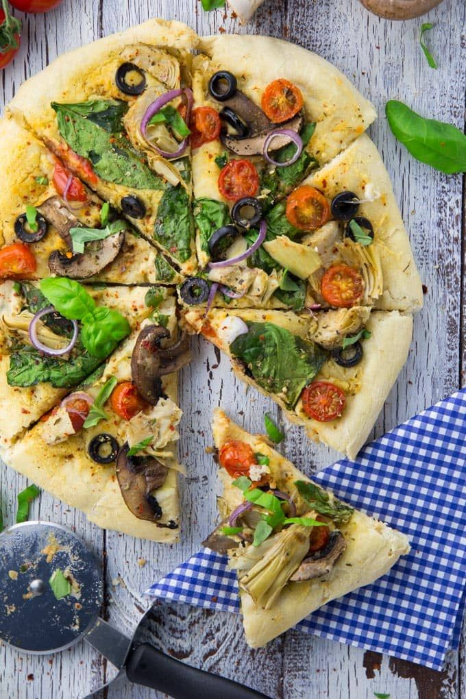 Hummus Pizza mit Spinat | vegane Pizza Rezept| Hummusrezept | | vegane Rezepte I Entdeckt von Vegalife Rocks: www.vegaliferocks.de ✨ I Fleischlos glücklich, fit & Gesund✨ I Follow me for more vegan inspiration @vegaliferocks