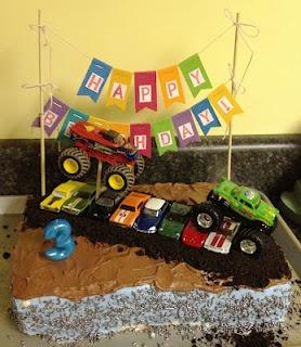 Monster truck birthday cake!Monster Trucks, Birthday Parties, Trucks Birthday Cake, 3Rd Birthday, Parties Ideas, Trucks Parties, Monsters Trucks Birthday, Birthday Ideas, Birthday Cakes