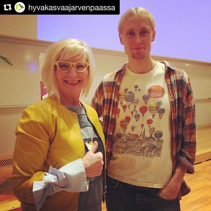 #Repost @hyvakasvaajarvenpaassa  Vasemmalla fani @futuremarja ja oikealla idoli @jaakkoblomberg Kiitos Jaakko valtavasta inspiraatiosta ja energiasta. Kaikki on mahdollista. Sen kun alkaa tekemään! #hyväjäke #aktivisti #kaupunkikulttuuri #yhteisöllisyys #unelmat #futuremarja