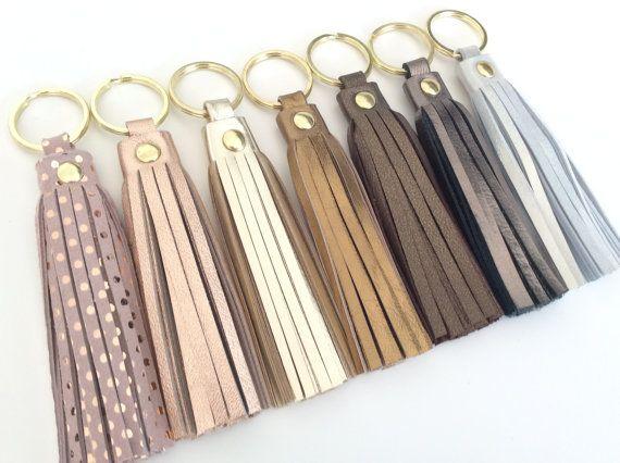 Leather tassel keychain.Leather key fob.Leather tassel charm. Leather tassel Keyring.Bridesmaid gift.Metallic Rose Gold.Polka dots.Pulpo.
