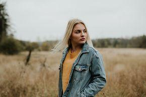 Portrait Posen: 5 Posing Tipps für ungestellte Fotos