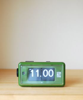 "STUSSY Livin GENERAL STORE(ステューシー リヴィン ジェネラルストア)  ""GS Flip Clock by TWEMCO""   STUSSY Livin' GENERAL STORE(ステューシー リヴィン ジェネラルストア)     Digital-Mountain"