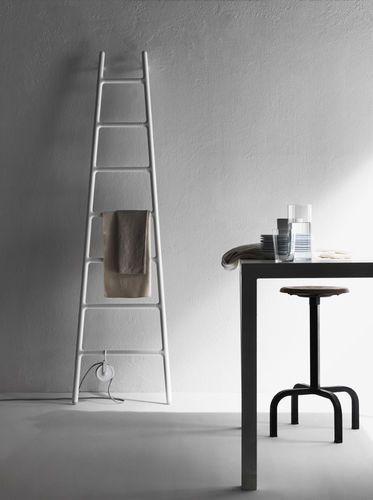 Radiateur électrique / vertical / en aluminium / mural ELEMENTS: SCALETTA by Elisa Giovannoni TUBES